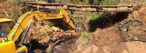 Prefeitura de Divinolândia realiza melhorias e manutenções na zona rural