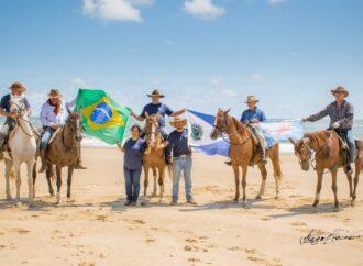 Cavaleiros desbravam o Rio São Francisco