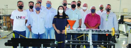Pinhalense Máquinas Agrícolas firma parceria com UniFAE